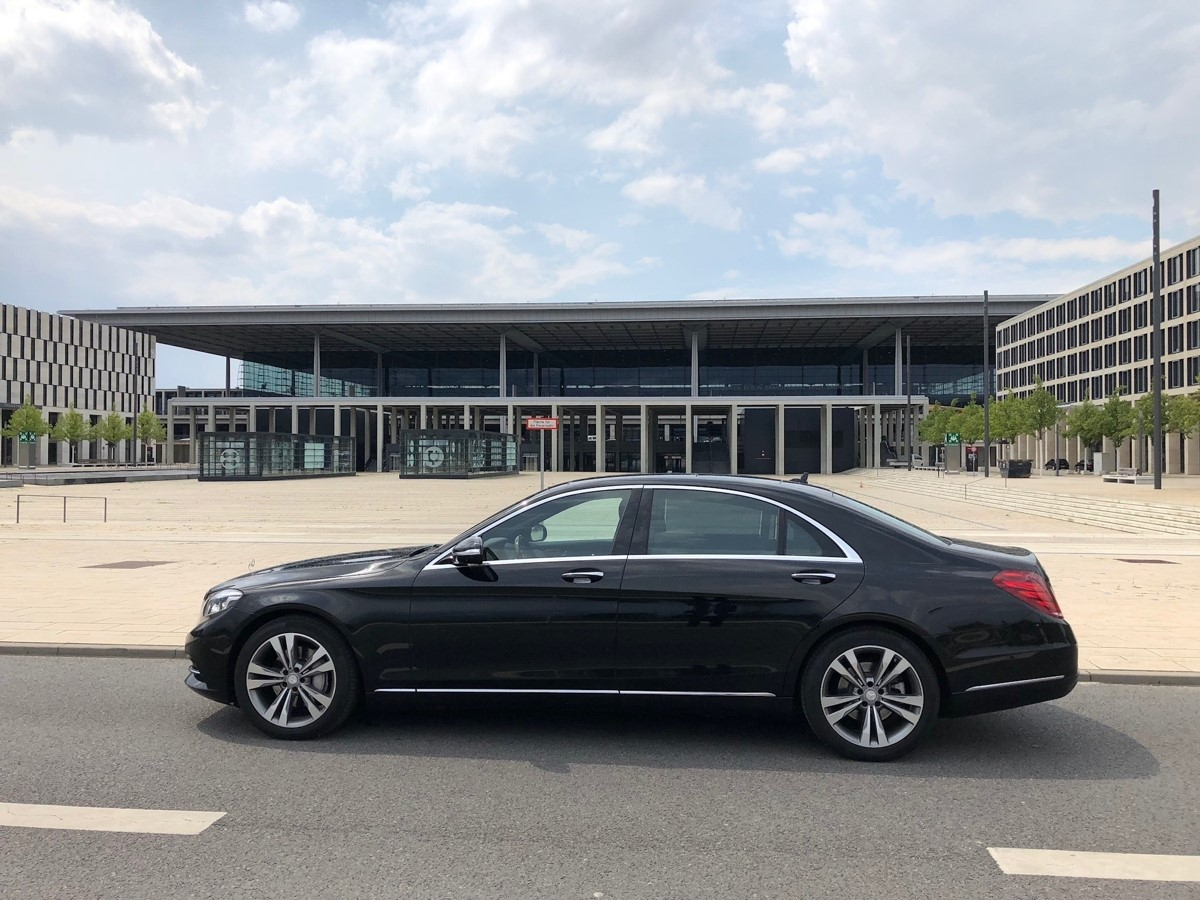 VIP Limousine mit Chauffeur buchen Berlin